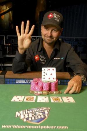 Daniel Negreanu resucita contra Isildur1 en el SuperStar Showdown